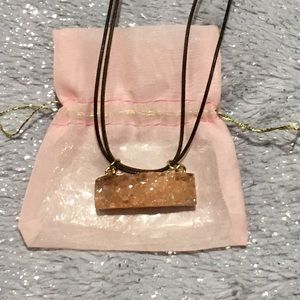 Jewelry - NWOT ~ Natural Quartz stone necklace